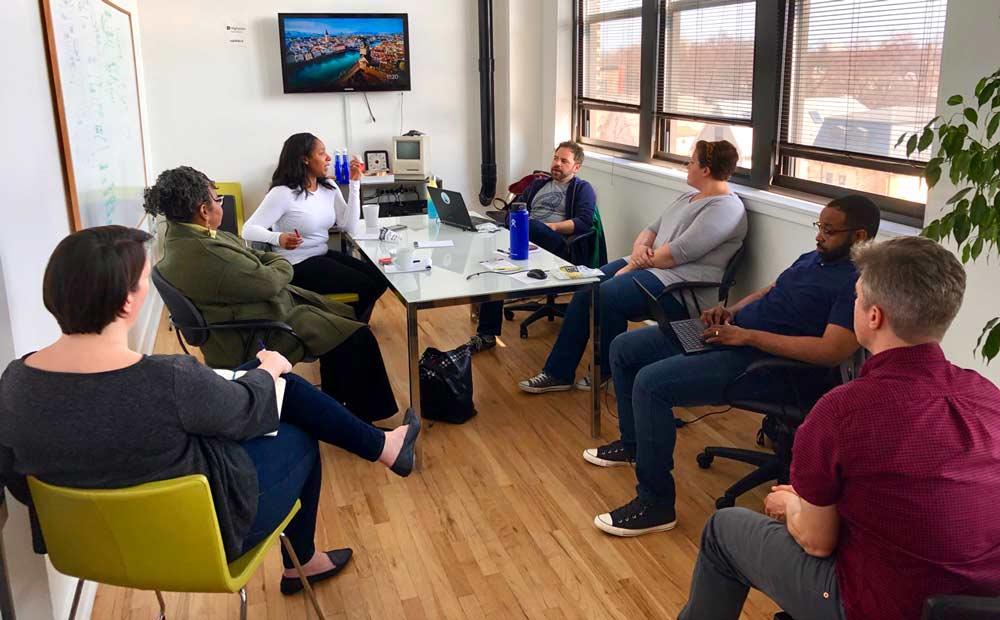 Design Sprint debriefing between interview